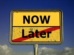 Online Event Procrastination
